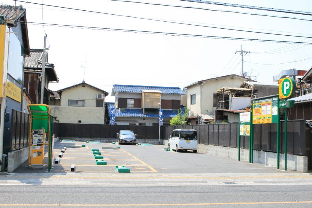 そば処「田」 駐車場